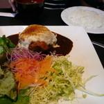 51576840 - 【ランチ】飯村牛と弓豚のハンバーグ 野菜のトマト煮 モッツアレラチーズ焼き1,300円