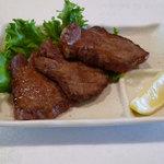 牡蠣三味 - 牛タンの塩焼き