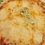 サイゼリヤ - バッファローモッツァレラのピザ 499円