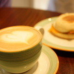 51587642 - Latte SMALL ($3.75)、MUFFIN ($3.75)