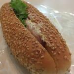 ベイク ルナ - ウインナーなパン