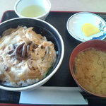 5160089 - 山菜丼(735円)