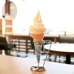 みろくカフェ・ベーカリー - 牧場ソフトクリーム 小 (230円) '15 12月下旬