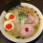 三麺流 武者麺 - 鶏塩そば700円+味玉100円+大盛100円