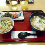沖縄そばと島豆腐の店 まつばら家 - ゆし豆腐定食。じゅーしー付き。