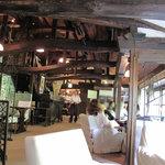 茶房 天井棧敷 - 江戸末期の「造り酒屋」の屋根裏を改造したそうで♪