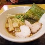 麺屋 ZETTON - 鶏醤油ラーメン(こってり)