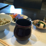 和食 了寛 - 赤だし味噌汁の器。