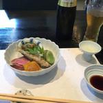 和食 了寛 - 前菜はおかひじきの和え物、空豆、鴨ロース、稚鮎、粟麩。