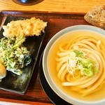 本格手打 いわしや - ひやかけ、天ぷら、炊き込みおにぎり