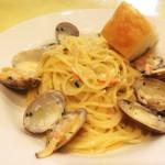 トラットリア ボーノ - アサリとズワイガニのホワイトソーススパゲティ