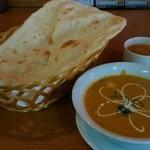 ガネサ - 「野菜カレー&プレーンナン&スープ」