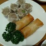 崎陽軒 中華食堂 - 定食のシウマイと春巻