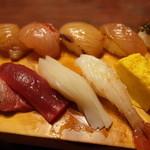 すし処銀八 - 江戸前+島寿司のセット
