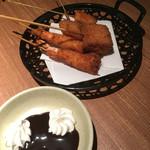鳥正 - 串カツ バナナ、チーズカツ、海老、バームクーヘンとチョコ