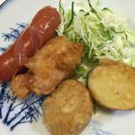 たまや食堂 - おまかせ焼魚セットに付いている揚げ物