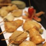 串カツ ゑびす - ウインナー、鶏なんこつ、豚バラ、鶏もも、牛、烏賊、貝柱、餃子