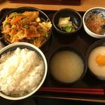 おふくろの味 3・5食堂 - 日替わり定食(豚キムチ)700円