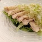 51636991 - 蒸し鶏。味は濃すぎです。