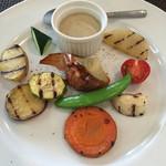 レストラン 花水 - コースのサラダ 自然&有機野菜 にんにくとアンチョビのクリーム