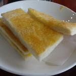 51637700 - 超薄切りトースト&1番下は玉子焼きサンド