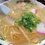 丸啓 - シンプルで美味しい中華そばはとんこつ塩中華!たまらんぞこの中華そばは!