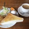 シルビア - 料理写真:ブレンドコーヒー380円とトーストセット