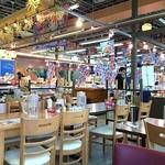 博多豊一 - 購入した寿司バイキングのお寿司はこちらの店内で持ち込み飲食可。