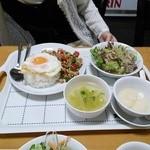 タイ料理 マナ - パッガパオガイセット