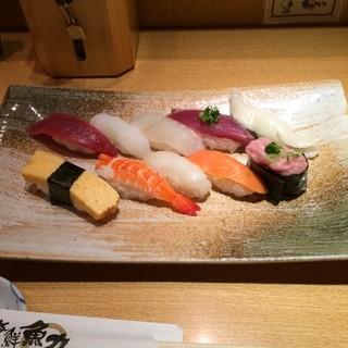 魚力海鮮寿司 ルミネ大宮店 - さざなみ。 税抜950円。 美味し。