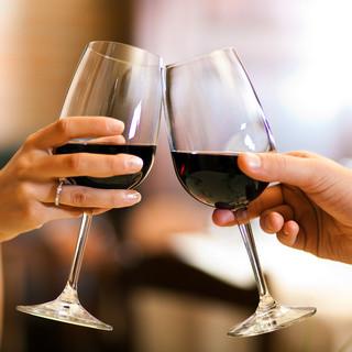 ソムリエ厳選ワインを全60種100本以上ご用意♪