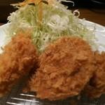 Katougyuunikutenshibutsuu - ミックスフライ定食 1000円、左から、ハムカツ・メンチカツ・コロッケ