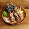 牛肉・豚肉・鶏肉の炭火焼き串盛り