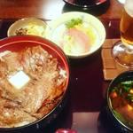 51655246 - 2016/5 ビフテキ丼大盛り¥2600(税別)