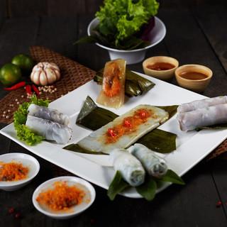 ロータスパレスでは、新鮮な素材を活かした本場ベトナム料理を