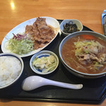 さばいしドライブイン - 2016年5月。生姜焼きと半ラーメンセットを+80円で味噌ラーメンに。