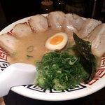 麺屋 中る - 豚骨ラーメン+チャーシュー