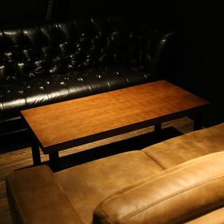 【3階】シックなソファーで上質な夜を(2名様~)
