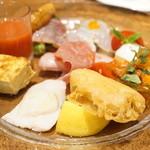 ラ ブォナ ヴィータ - 特製前菜盛り合わせ(+300円)