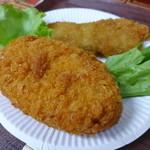 ウスヤ精肉店 - コロッケも100円。