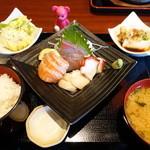 MOZU - お造り定食 1200円