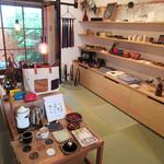 ドングリー コーヒースタンドと暮らしの道具店 - 店内ではいろんな作家作品を展示販売(2016.5月)