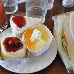 HOMEMADE CAKE SHOP さいもん - 第1弾 トマトジュース、フランボワーズ220円、ショートケーキ290円、グレープフルーツ250円、サンドイッチ220円