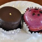 HOMEMADE CAKE SHOP さいもん - ロンドショコラ300円、ブルーベリー300円