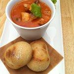 ウズカフェ - 柔らかチキンとキノコのとろとろトマトスープ☆