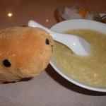 5168774 - スゴイ量のスープ