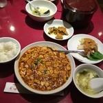 51681717 - 麻婆豆腐ランチ☆+100円でバンバンジー