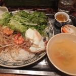 51681791 - 「エビ、豚と野菜の炒め物」900円