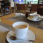 六盛 スフレ・カフェコーナー茶庭 - コーヒーと紅茶