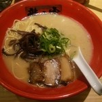 ラーメン龍の家 - とんこつ 純味(\730)